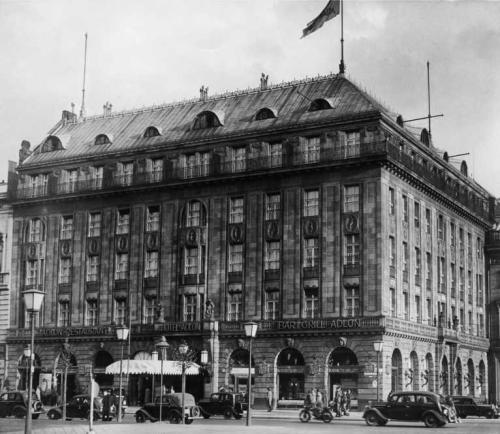 Aufnahmedatum: um 1928Aufnahmeort: BerlinSystematik: Geografie / Europa / Deutschland / Orte / Berlin / Hotels / Bellevue, Adlon