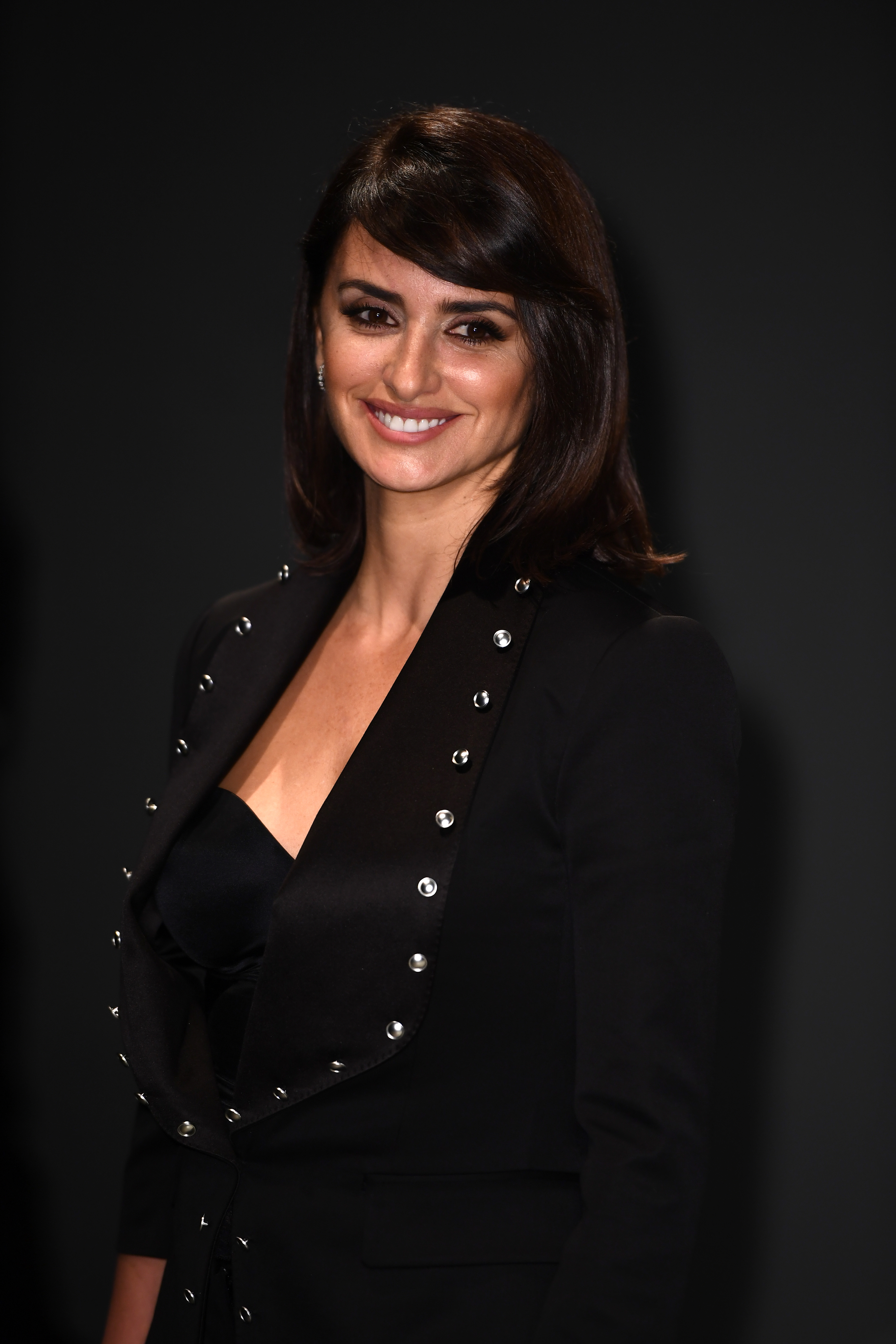 LONDON, ENGLAND - FEBRUARY 20:  Actress Penelope Cruz wearing Burberry attends the Burberry February 2017 Show during London Fashion Week February 2017 at Makers House on February 20, 2017 in London, England.  (Photo by Ian Gavan/Getty Images for Burberry) *** Local Caption *** Penelope Cruz