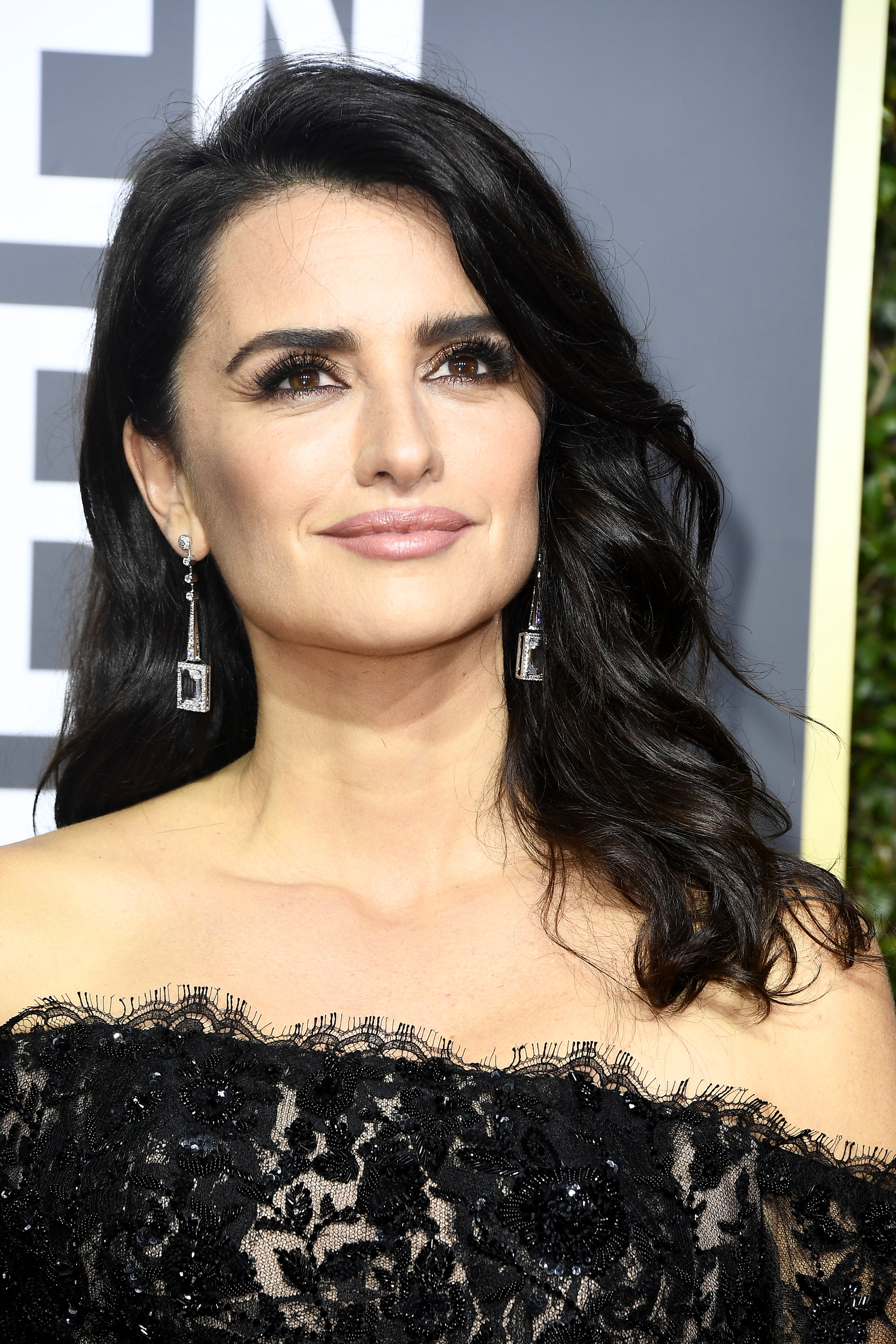 Penelope Cruz Shines bright at the 75th Golden Globe Awards  What We Adore