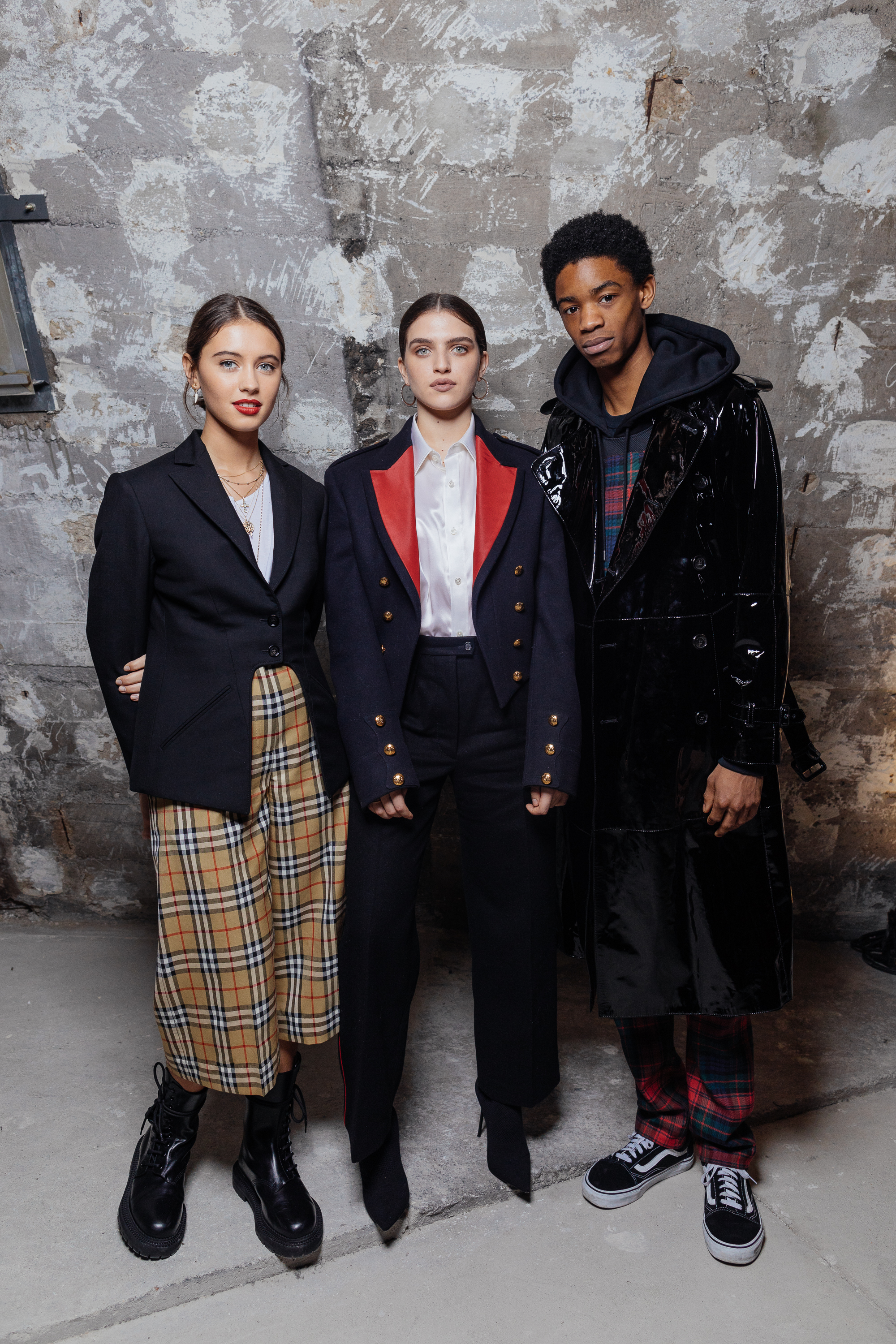 Iris Law, Mae Muller and Montell Martin at a private view of 'Here We Are' in Paris_002