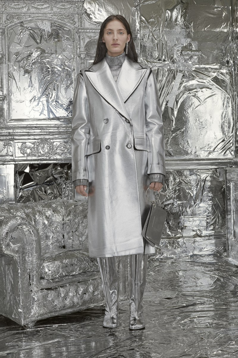 MM6_AW18_LOOK_01_LD_0