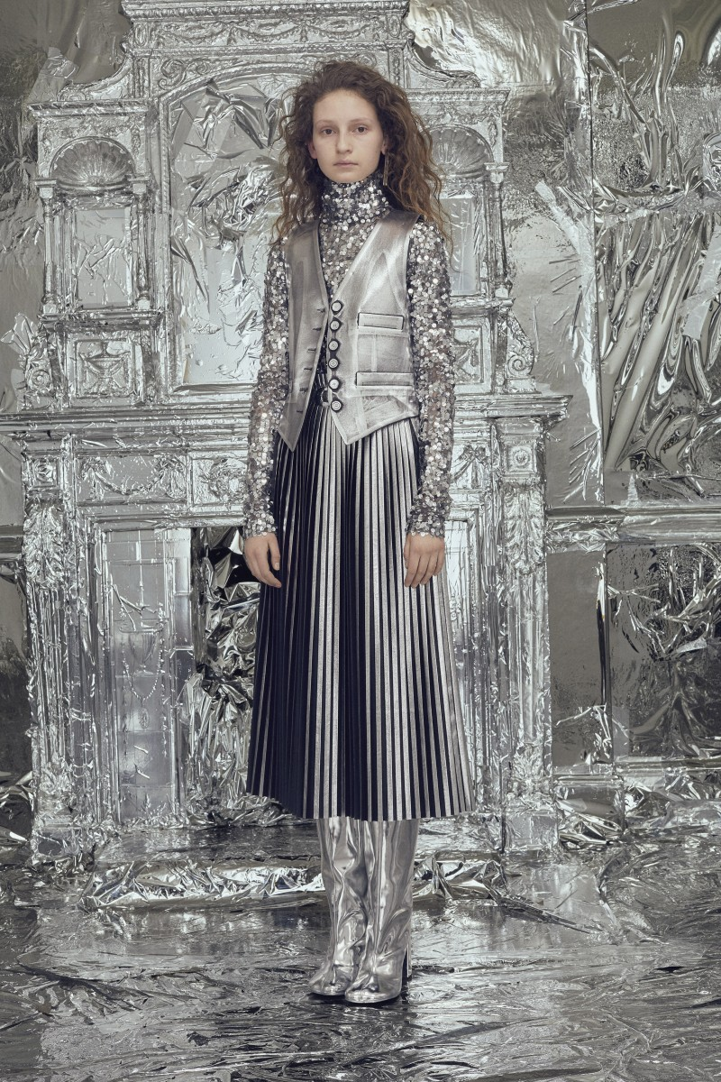 MM6_AW18_LOOK_08_LD_0